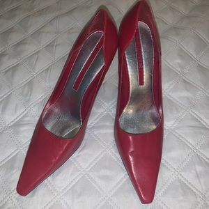 ENZO ANGIOLINI RED PUMPS W/4 INCH HEEL PERFECT